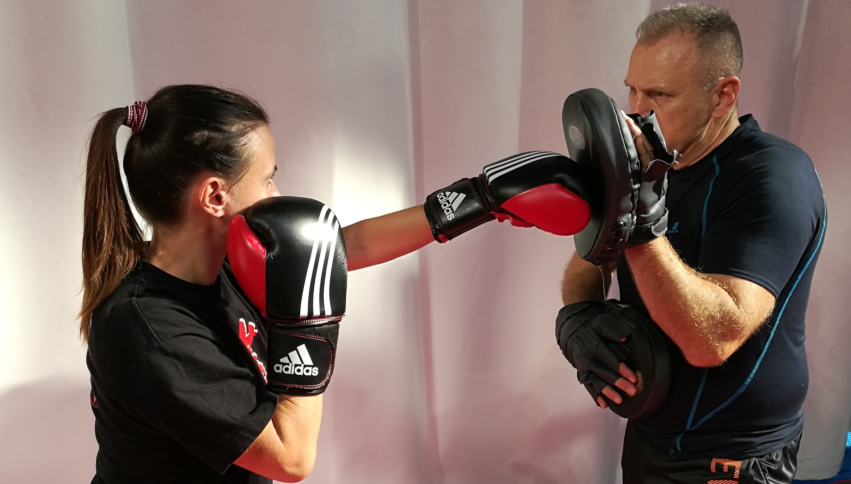 Egyéni Oktatás, privát edzés - Kyokushin Karate, Kick-box oktatás, Defendo önvédelem.jpg